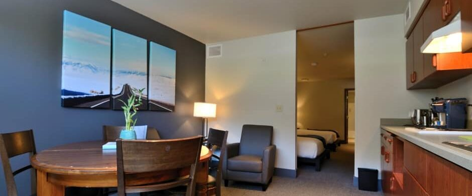 Accommodations, Wood River Inn & Suites