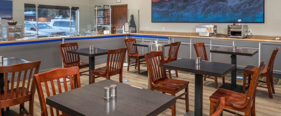 Breakfast, Wood River Inn & Suites